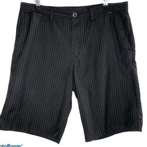 Hurley Black with Pinstripes Casual Shorts - 36